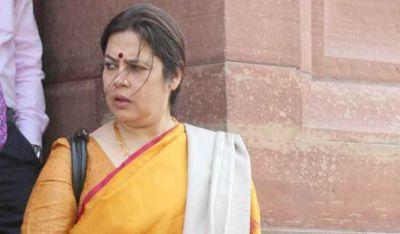MP Meenakshi Lekhi took oath in the presence of Chief Minister Arvind Kejriwal