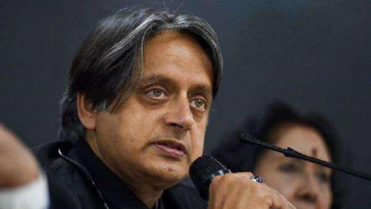 Congress leader Shashi Tharoor again supported Modi government, made a big statement about PoK