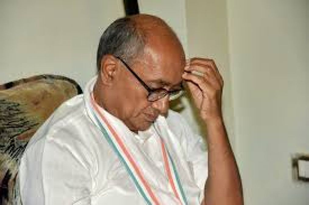 Digvijay Singh in trouble, case filed for objectionable statement