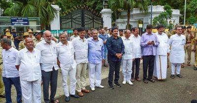 कर्नाटक: अयोग्य ठहराए गए विधायकों को मिली बड़ी राहत, लड़ सकेंगे चुनाव