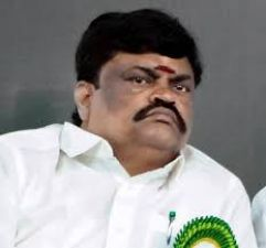 Tamil Nadu: Minister appeals people to beat Congress MP with slippers