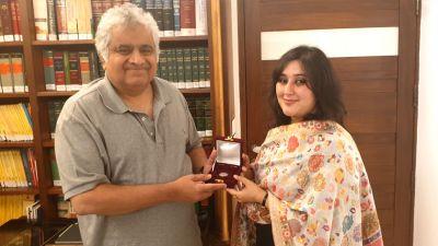 दिवंगत सुषमा स्वराज की बेटी बांसुरी ने पूरा किया अपनी माँ द्वारा किया गया वादा