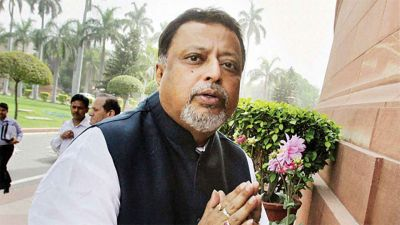 Narada scam: CBI team arrives at BJP leader Mukul Roy's house, may enquire