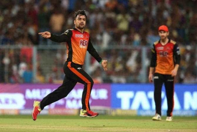 IPL 2021: रशीद खान के साथ वार्नर और विलियम्सन ने भी रखा रोज़ा, वायरल हुआ वीडियो