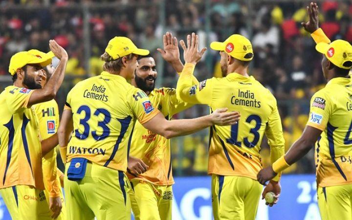 IPL 2019 : हैदराबाद को हराकर प्लेऑफ में सुपरकिंग्स