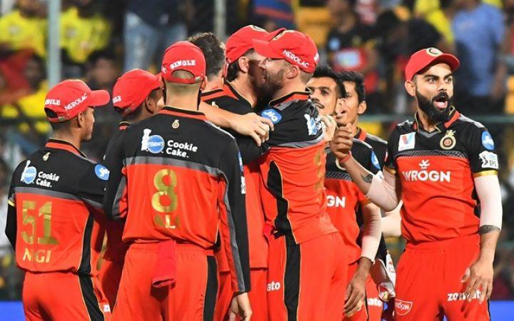 बैंगलोर को जीत की राह दिखाने वाला यह खिलाड़ी आईपीएल से हो गया बाहर