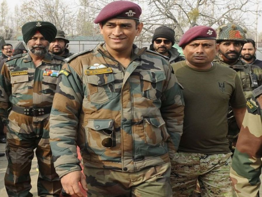 MS Dhoni Likely To Unfurl National Flag In Leh On Independence Day