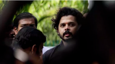 The fire broke out at Sreesanth's Kochi home, the wife and child were present inside the house