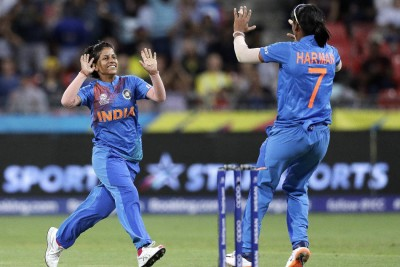 Shikha Pandey says team management allowed Shafali Verma to play fearless cricket