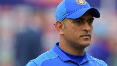 Selectors are confused over Mahendra Singh Dhoni and Virat Kohli