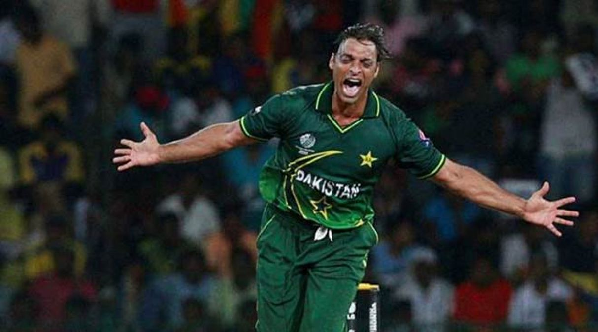 Shoaib Akhtar rules YouTube in just 30 days, received the 'Golden Play Button' Award