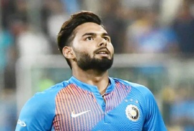 It is very difficult for Rishabh Pant to match Mahi