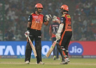 IPL 2018: दिल्ली को 9 विकेट से हरा प्लेऑफ में पहुंचने वाली पहली टीम बनी हैदराबाद
