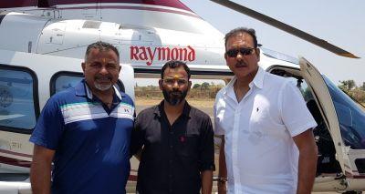 विश्व कप अभियान पर जाने से पहले साईं के दर पर पहुंचे रवि शास्त्री, माँगा जीत का आशीर्वाद
