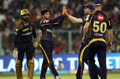 IPL 2018, SRH vs KKR LIVE: कुलदीप ने एक ही ओवर में दिए हैदराबाद को दो बड़े झटके