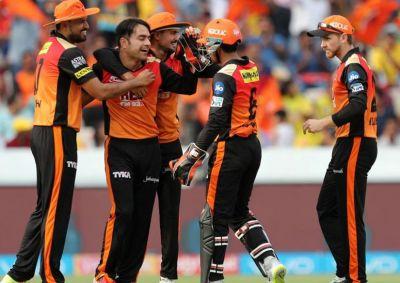 IPL LIVE SCORE : राशिद के छक्कों ने कोलकाता को दिया 175 रनों का लक्ष्य