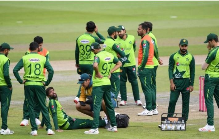 न्यूज़ीलैंड दौरे पर पहुंची पाक टीम को बड़ा झटका, 6 खिलाड़ी निकले कोरोना संक्रमित
