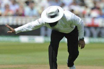 Pakistani umpire dies during a match, cricket world mourns