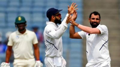 Ind vs Sa: India tightens screws, Half South African team reaches pavilion till lunch