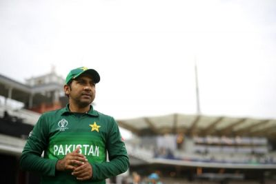 Pak captain  makes this request to cricket  fans