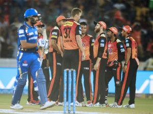 IPL 2018 Live SRH vs MI:  After 10 overs MI lose.. wickets