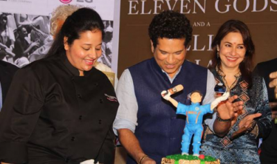 Master Blaster plays 'Square-cut' on his 45th Birthday cake