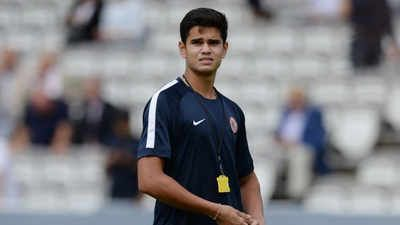 Arjun Tendulkar helps Lord's cricket ground staff