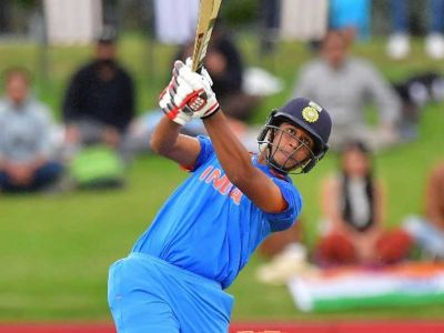 ICC World Cup under-19 Final Live: Manjot Kalra scores fifty to guide India towards victory