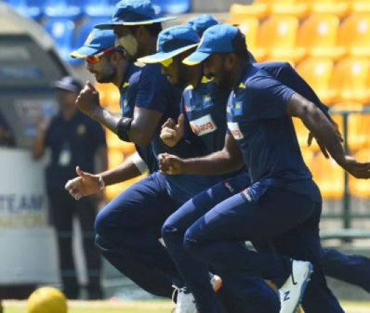 मेजबान टीम ने टॉस जीतकर फिर से बल्लेबाजी करने का किया फैसला