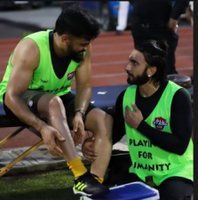 Video Viral: Ranveer Singh embraced MS Dhoni In The Football Charity Match