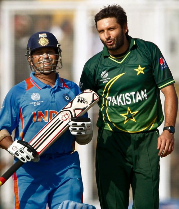 Shahid Afridi used Sachin Tendulkar's bat for the sensational 37-ball century
