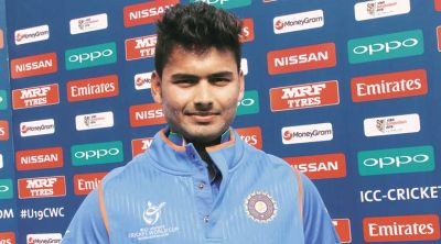 Cricket fraternity by tweeting on Twitter praised  Delhi Daredevils batsman Rishabh Pant