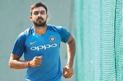 Big Blow to team India, Vijay Shankar injures forearm while batting in nets