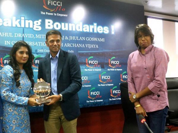 Rahul Dravid 'Breaking the Boundaries' with the Golden Girls