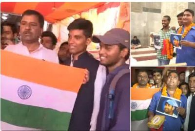 India vs Pak : Cricket fans and supporters offer prayers at a temple for India's win