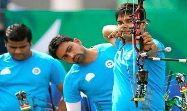 एशियन गेम्स 2018: तीरंदाज़ी में चला भारत का जादू, पुरुष टीम को स्वर्ण, महिलाओं ने जीता रजत
