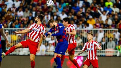 Atletico Madrid reached the final of the Super Cup after beating Barcelona 3–2