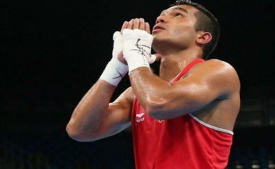 Shiva Thapa becomes first Indian to win gold in President's Cup