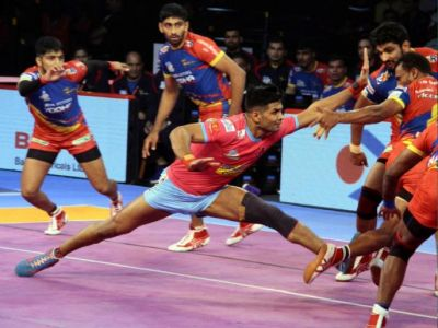 In the last minute, Jaipur Pink Panthers beat Bengal Warriors