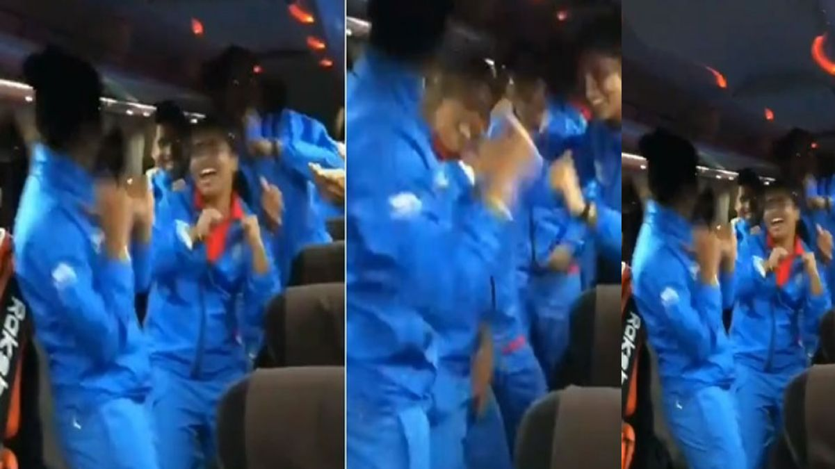 Team India sings 'Suno Gor se Duniya wale', video went viral on social media