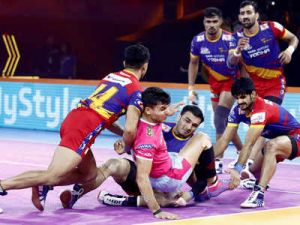 PKL 2019: UP warrior makes it to the playoffs by defeating Pink Panthers