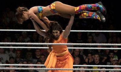 WWE: जब कविता देवी ने सलवार सूट पहनकर रिंग में  विदेशी रैसलर को चटाई थी धूल...देखे वीडियो