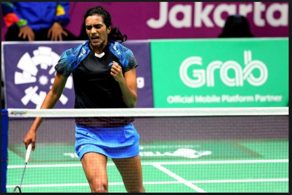 Singapore Open:  PV Sindhu advanced into the Semifinals, Saina out in Quarter-Finals