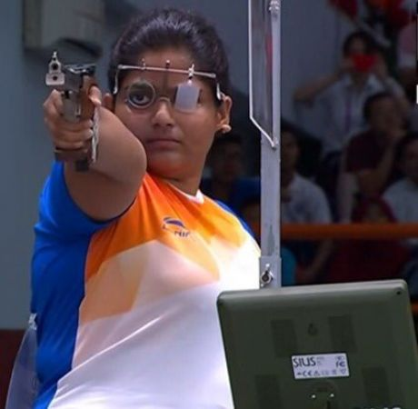 Asian games 2018 : Veteran shooter Rahi Sarnobat makes a resounding comeback with gold medal  in the 25m Pistol event