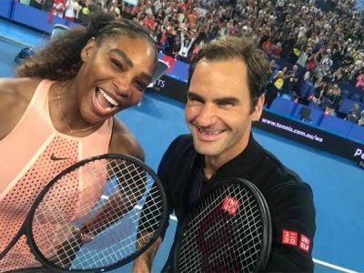 Serena Williams click 'Greatest selfie of all time'  with  Roger Federer: Hopman Cup clash