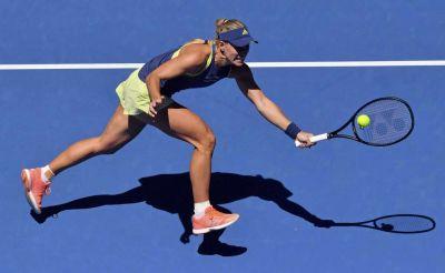 Maria Sharapova and Kerber advances to second round in style: Australian Open 2018