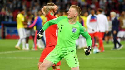 I don't care if I'm not the biggest keeper- Pickford hits back at Courtois