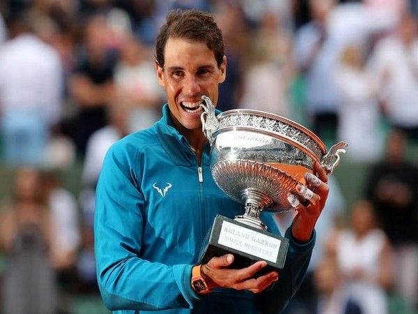 Nadal lifts up record 11th title of French Open 2018