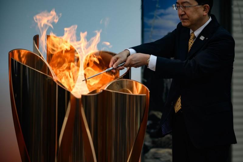 टोक्यो ओलंपिक मशाल रिले ओकिनावा के दक्षिणी द्वीप में किया प्रवेश