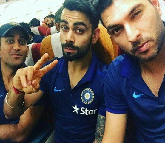एशिया कप के लिए टीम इंडिया रवाना, कोहली ने ली सेल्फ़ी